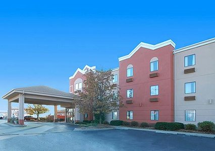 Comfort Suites Louisville East